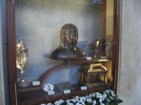 Die Reste der heiligen Katharina in San Domenica (Quelle: Wikimedia Commons)