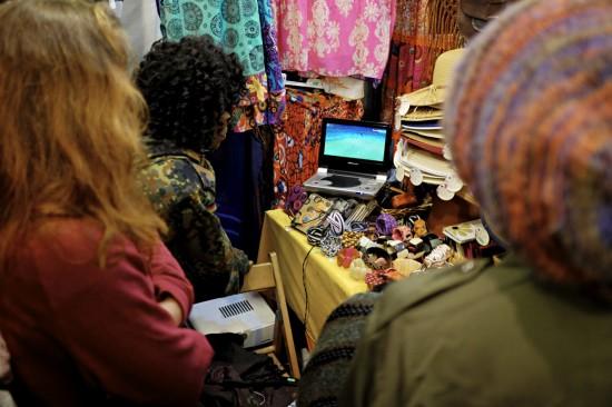 Improvisiertes Public Viewing beim Chiala Afrika Fest