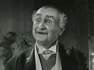 """""""Kernöl statt Blut? Sapperlott!"""" (Al Lewis als Grandpa der Munsters)"""