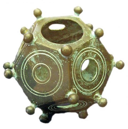 Römischer Dodekaeder (Lokilech via wikimedia commons)