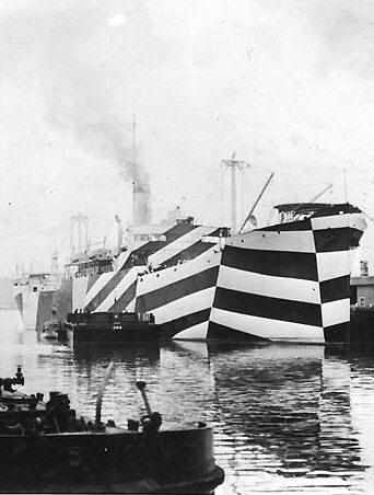 Dazzle Camouflage der USS West Mahomet (wikimedia commons)
