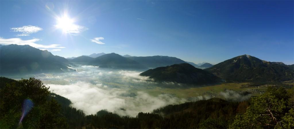 Panorama vom Dörflstein in Richtung Admont bei leichter Inversionswetterlage