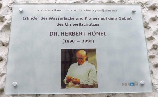 Gedenktafel zu Ehren Herbert Hönels, Erfinder von Lacken auf Wasserbasis