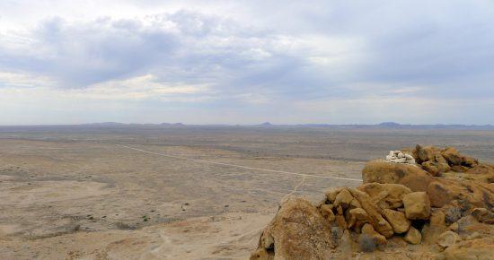 Landstrasse in Namibia nahe des Brandberg