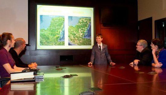 William Gadoury (15) präsentiert der Canadian Space Agency seine Forschungsergebnisse © CSA (via yucatanexpatlife.com)