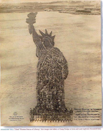 Die Freiheitsstatue als Formation (Mole/Thomas / 1918 / wikimedia commons)