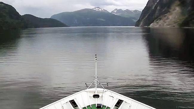Die fünfeinhalb tägige Reise des Hurtigruten-Postschiffes ist ein besonderes Slow-TV-Highlight (via news.com.au)