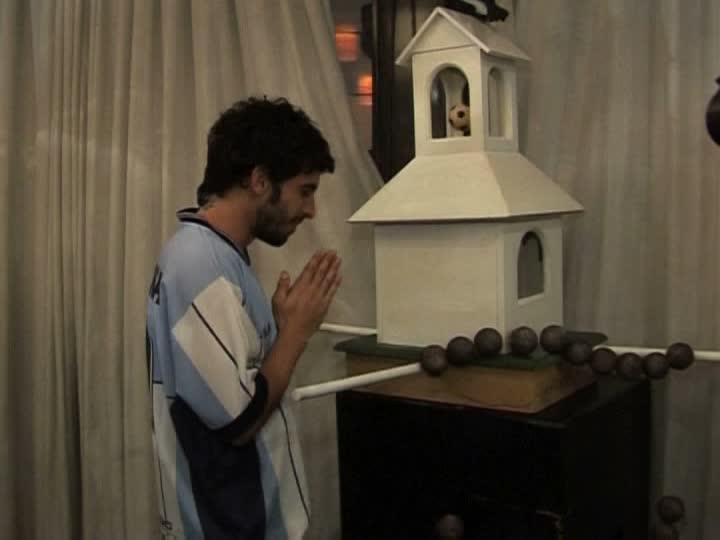 Beim Gebet (via footage.framepool.com)