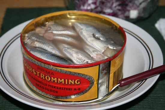 Eine Dose Surströming (via wikimedia.org)